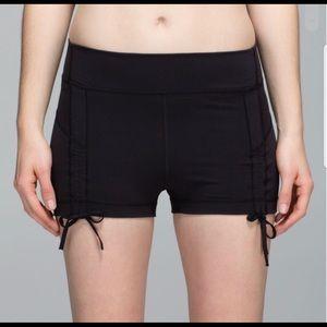 Lululemon liberty shorts size 2